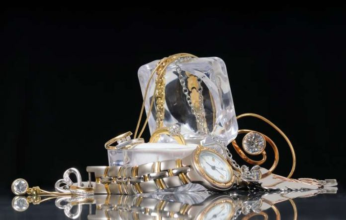 How to Store Watches and Jewelry Properly to Make Them Last